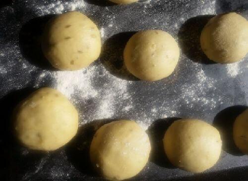 Brioche Dough Balls