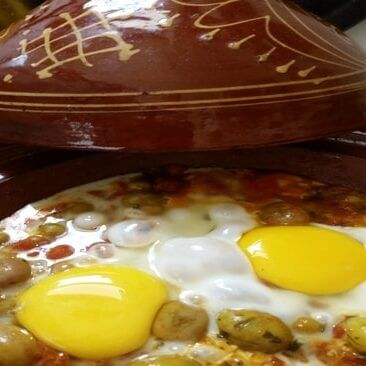 How To Make Moroccan Tomato-Egg Recipe With Peas And Olives
